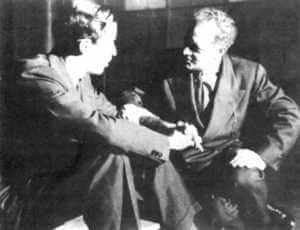 Moreno, Erfinder des Psychodrama, in einem Gespräch mit Sigmund Freud: